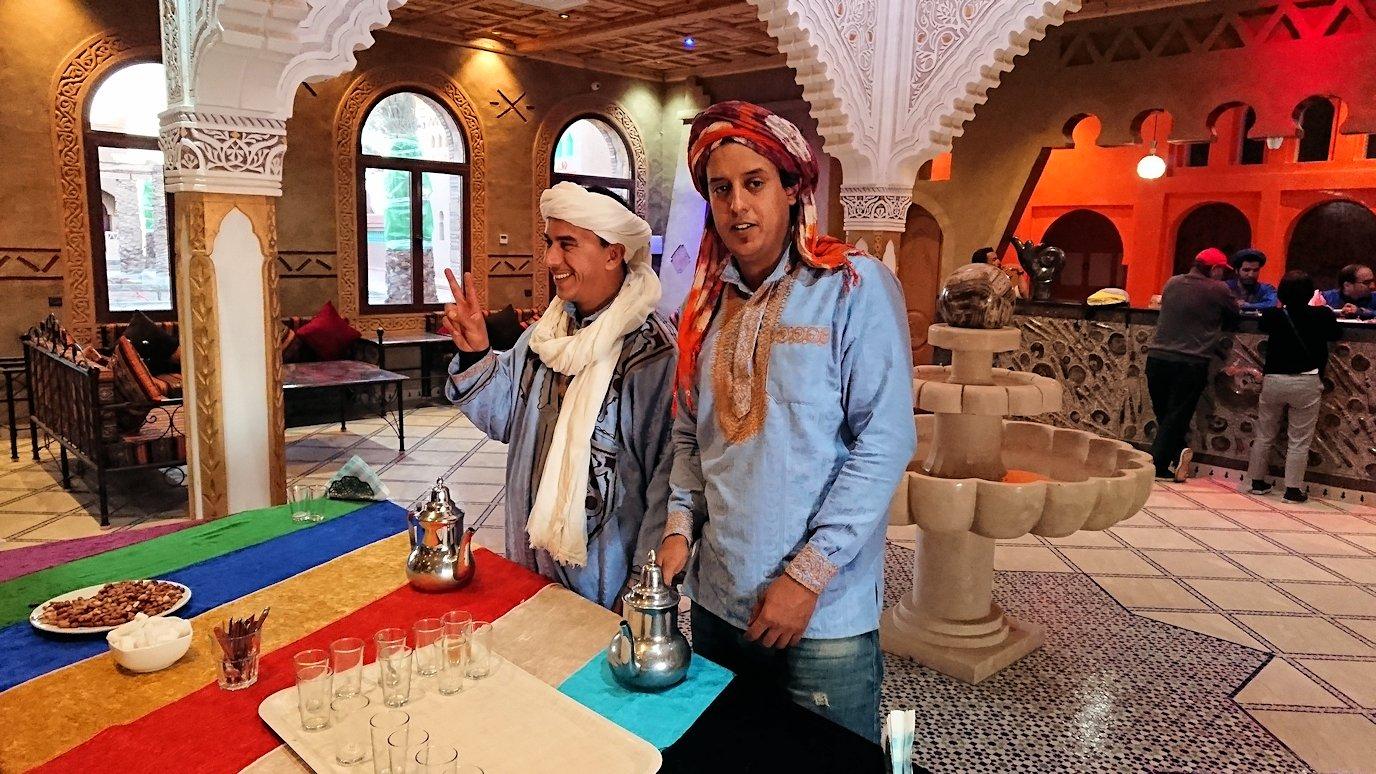 モロッコのメルズーガの砂漠ホテルの様子6