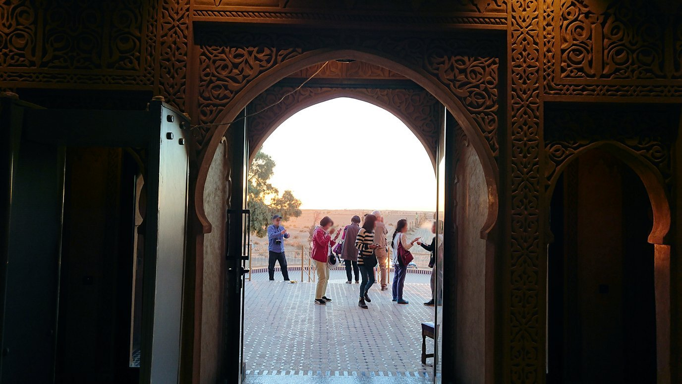 モロッコのメルズーガの砂漠ホテルの様子8