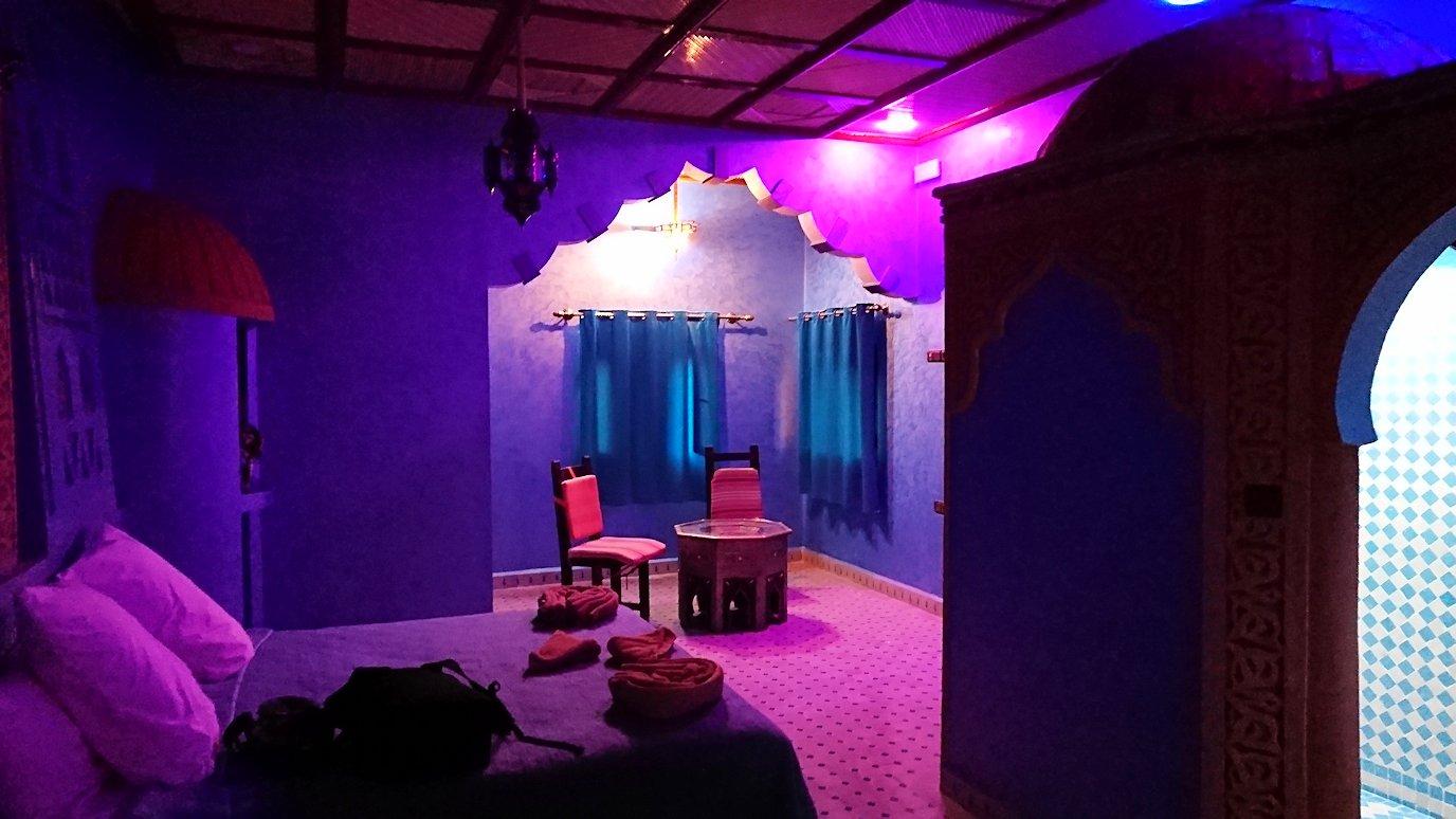 モロッコのメルズーガの砂漠ホテルの部屋の様子4