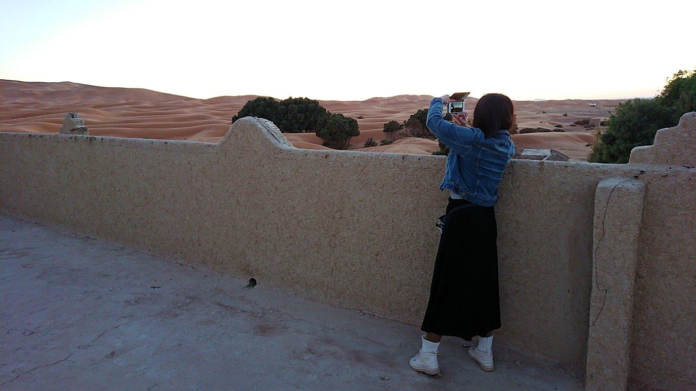 モロッコのメルズーガの砂漠ホテルでまったりと