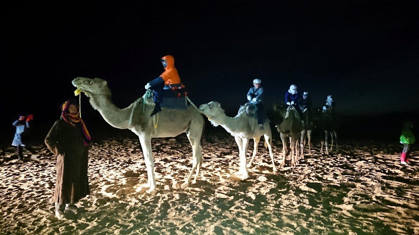 サハラ砂漠で星空観賞に向かう3
