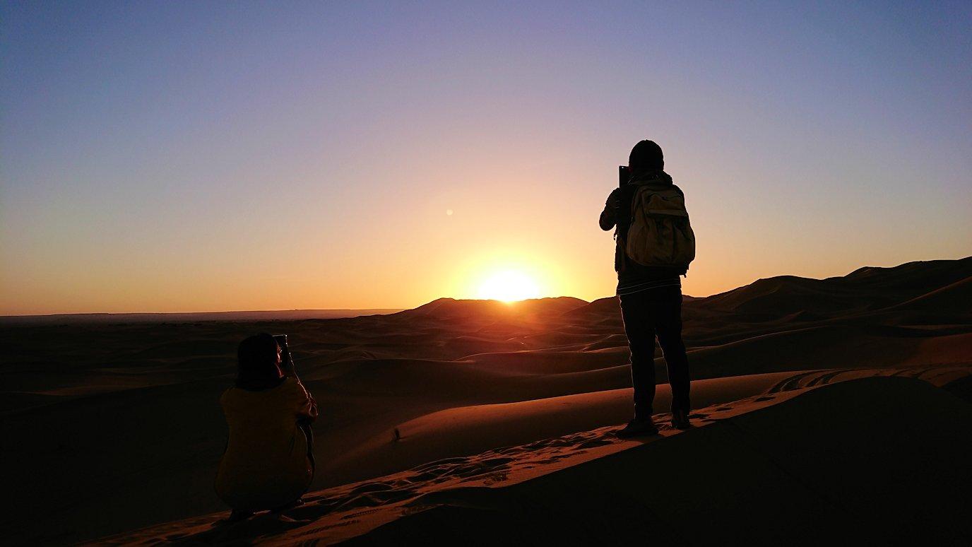 モロッコのサハラ砂漠で遂に朝日とご対面6