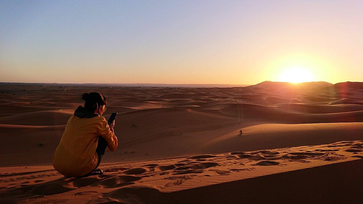 モロッコのサハラ砂漠で遂に朝日とご対面9