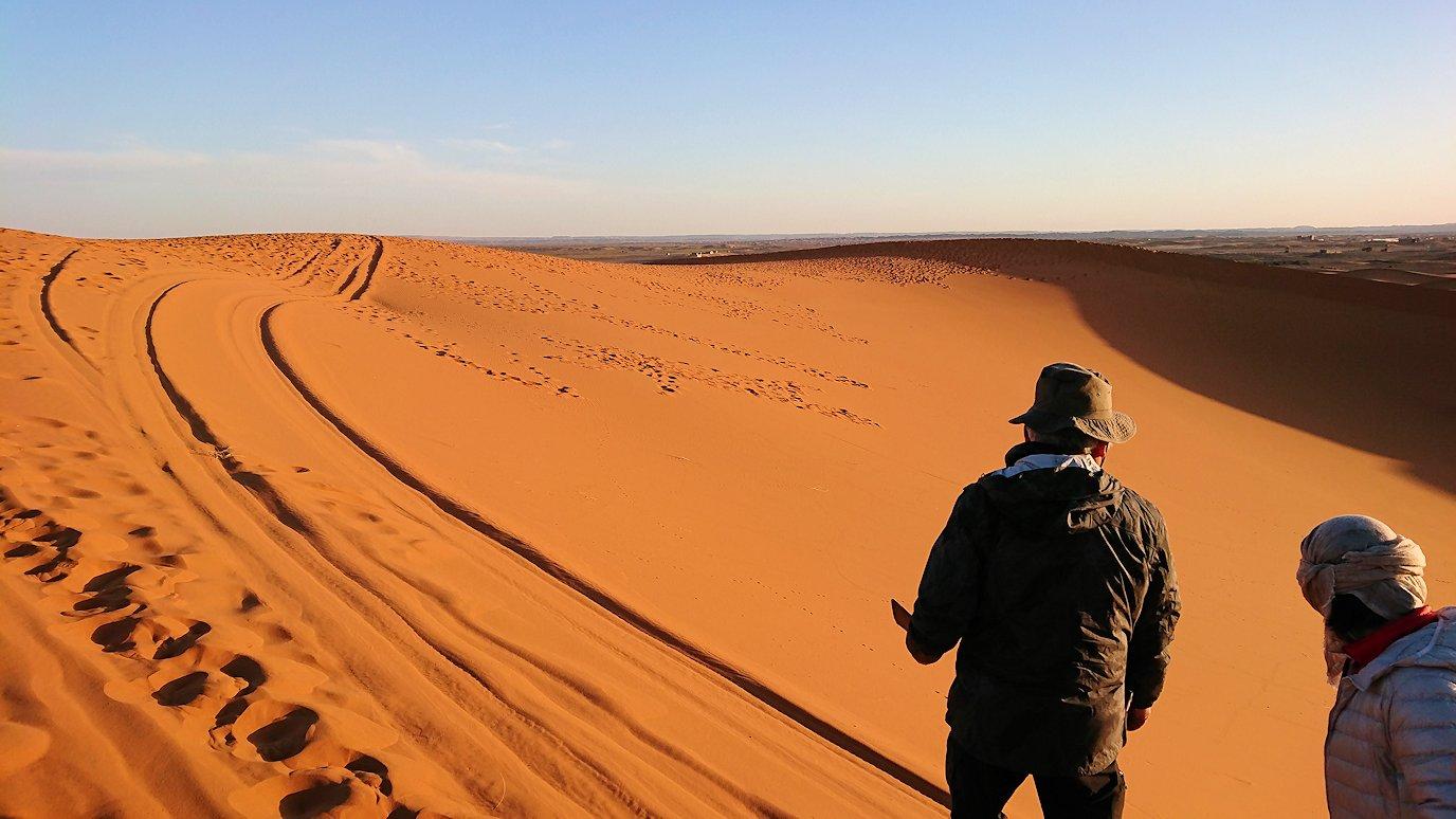 モロッコでサハラ砂漠の朝日鑑賞を終えて戻ります5