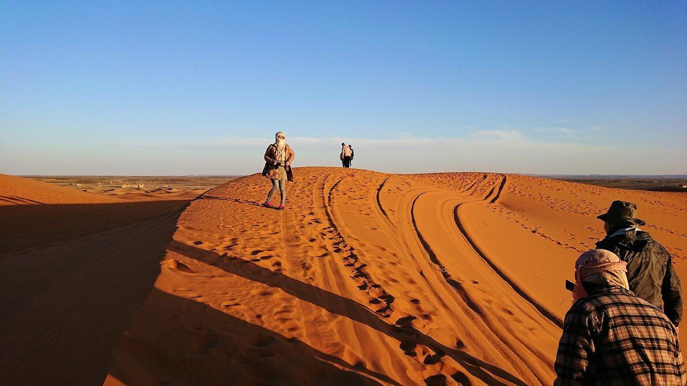 モロッコでサハラ砂漠の朝日鑑賞を終えて戻ります6