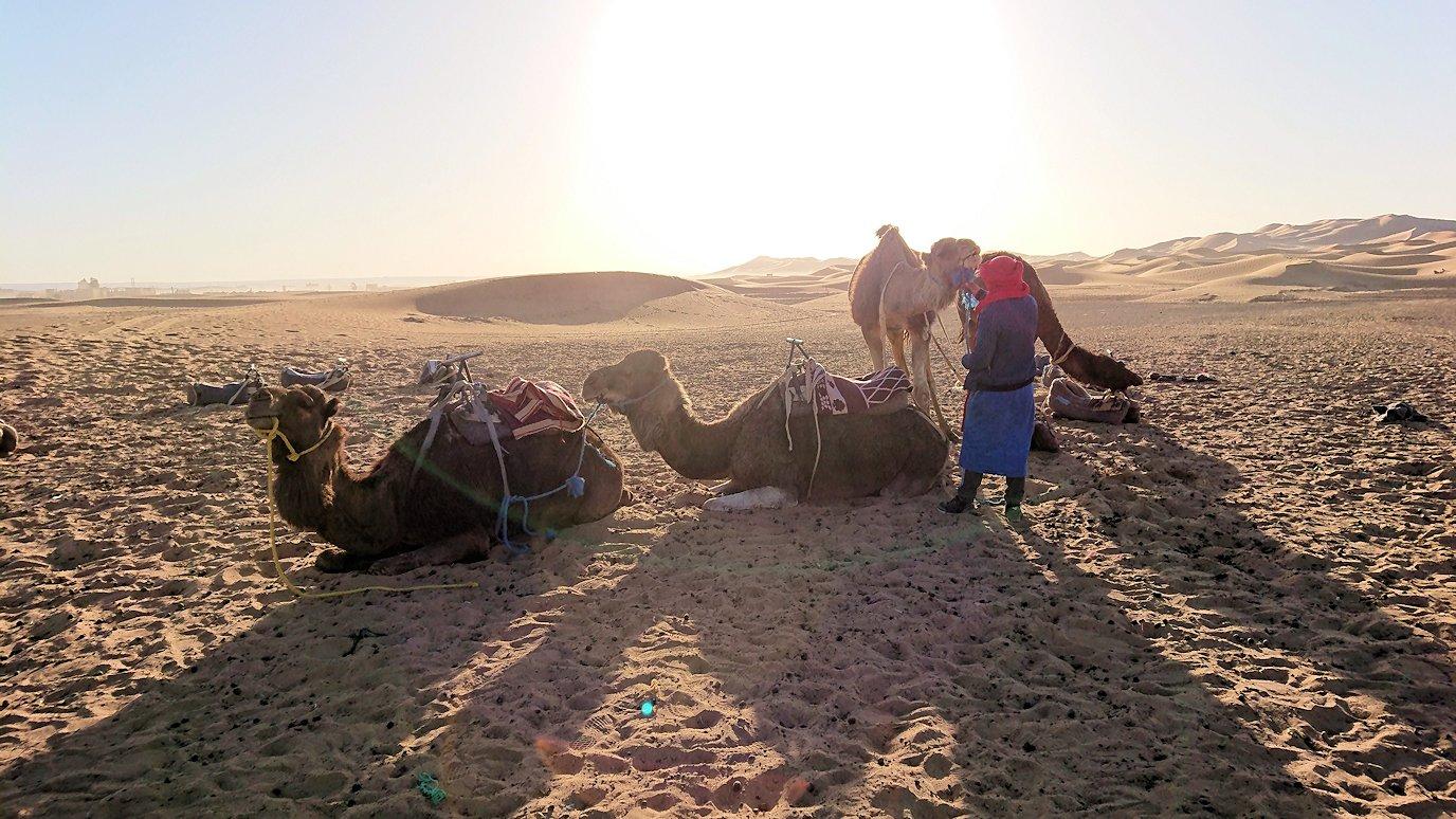 サハラ砂漠でベルベル風朝食をいただきます4