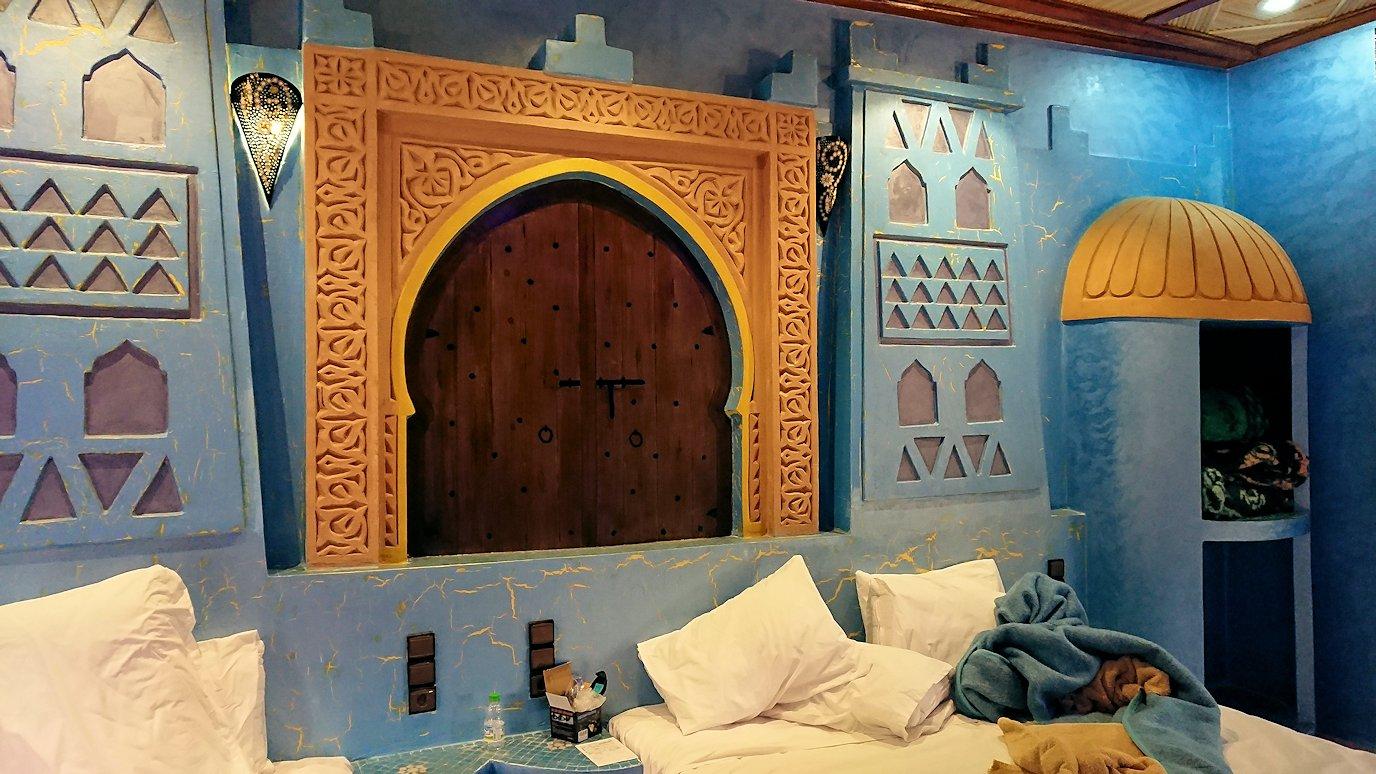 モロッコのメルズーガのホテルに一旦戻る