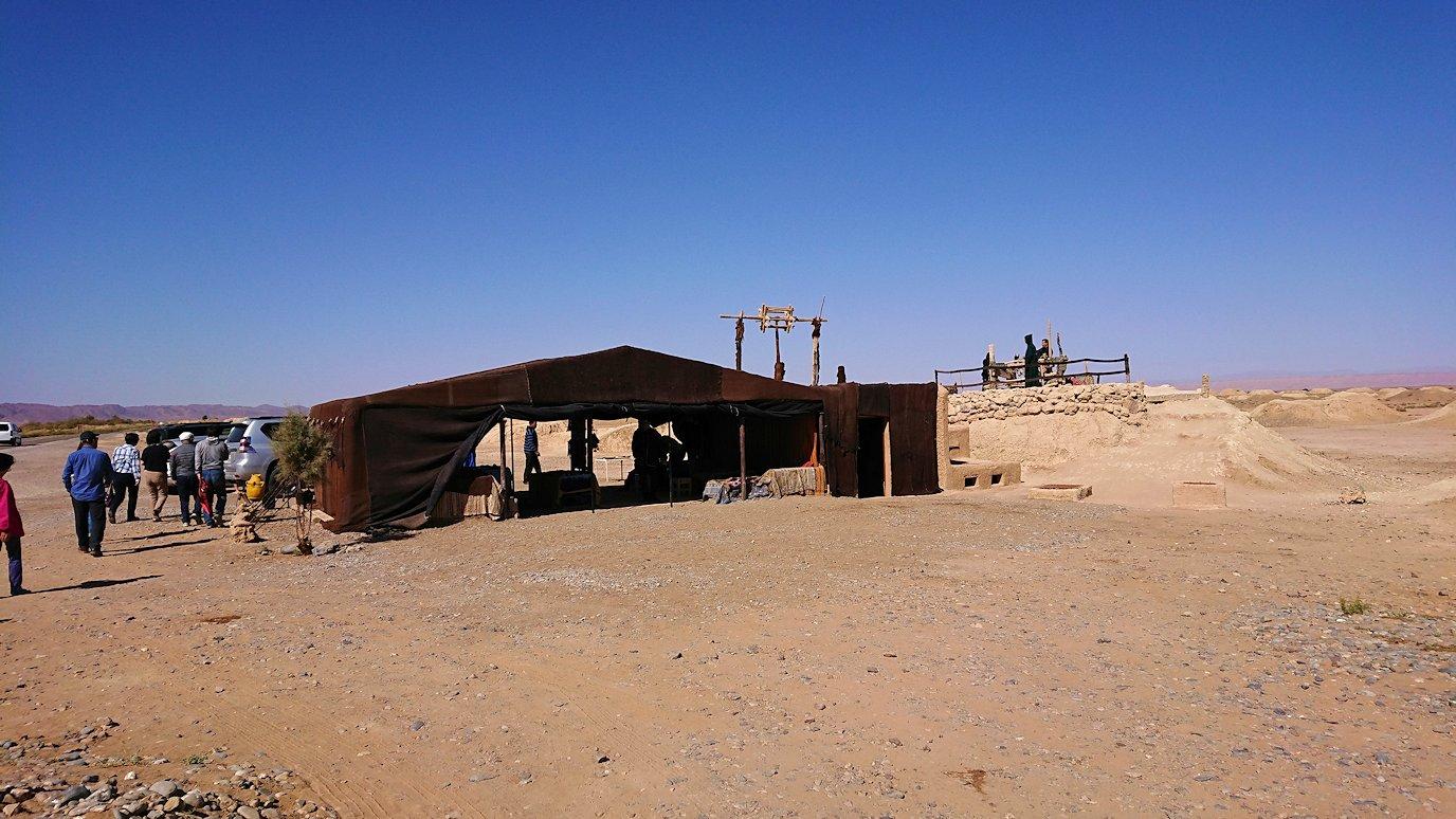 モロッコのカッターラの地下水道溝を見学2