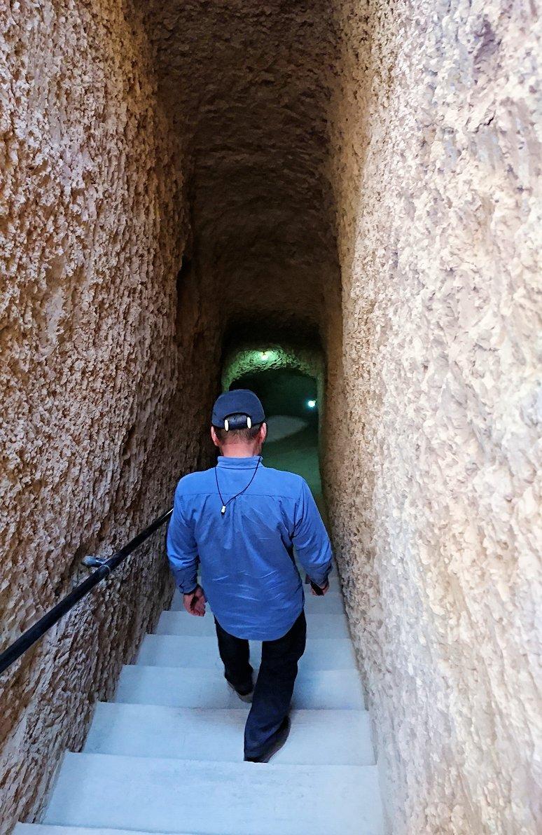 モロッコのカッターラの地下水道溝を見学してみる1