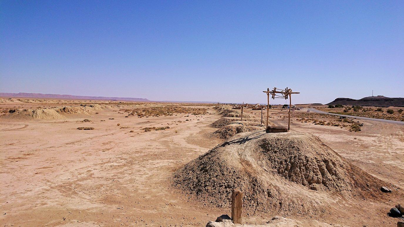 モロッコのカッターラの地下水道溝付近の様子1