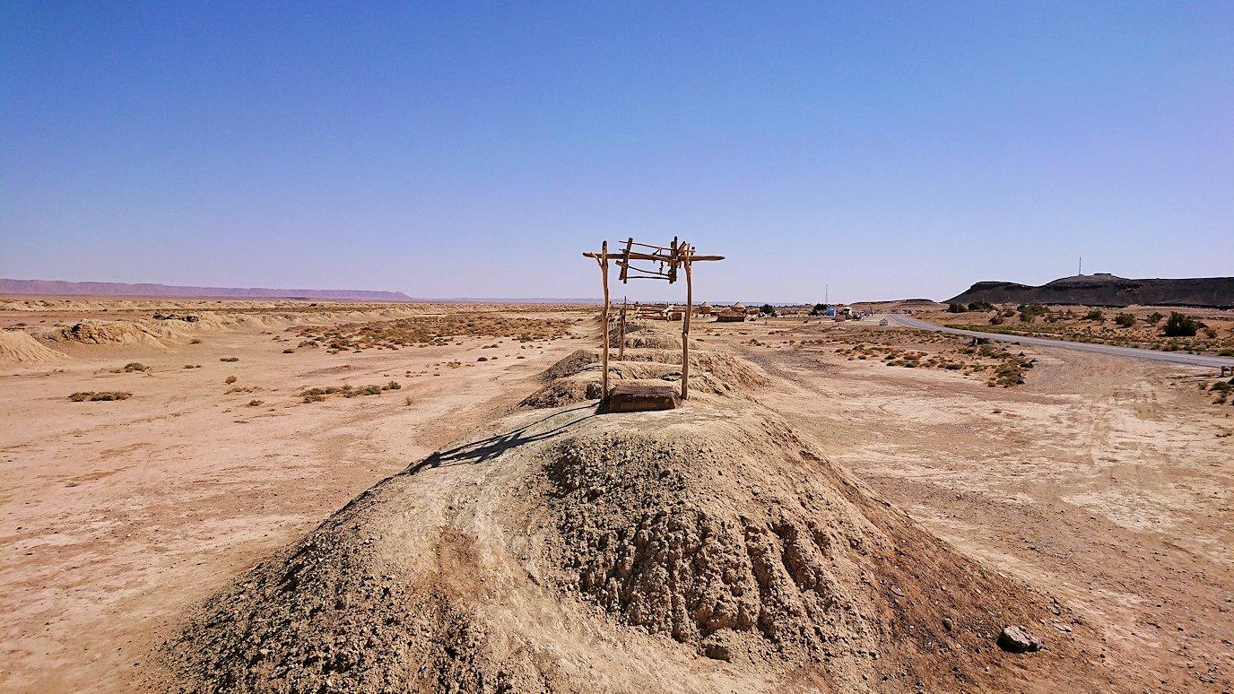 モロッコのカッターラの地下水道溝付近の様子2