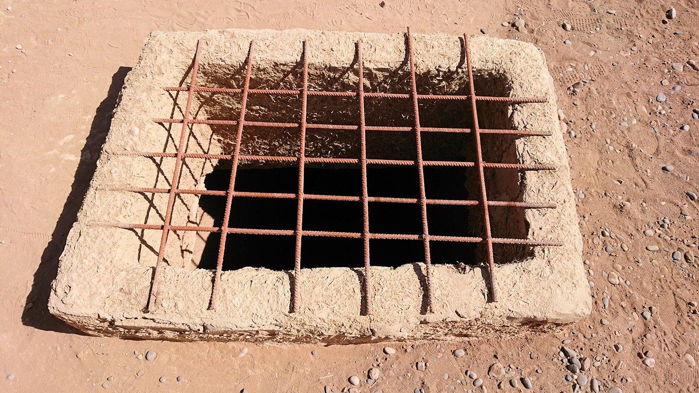 モロッコのカッターラの地下水道溝付近の様子5