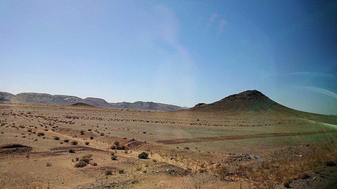 モロッコでカッターラからトドラ渓谷へ向かう途中1