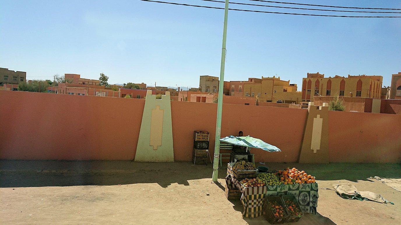 モロッコでカッターラからトドラ渓谷へ向かう途中5