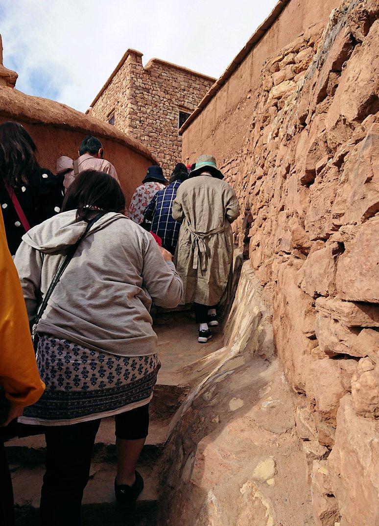 モロッコのワルザザートのアイト・ベン・ハッドゥを観光