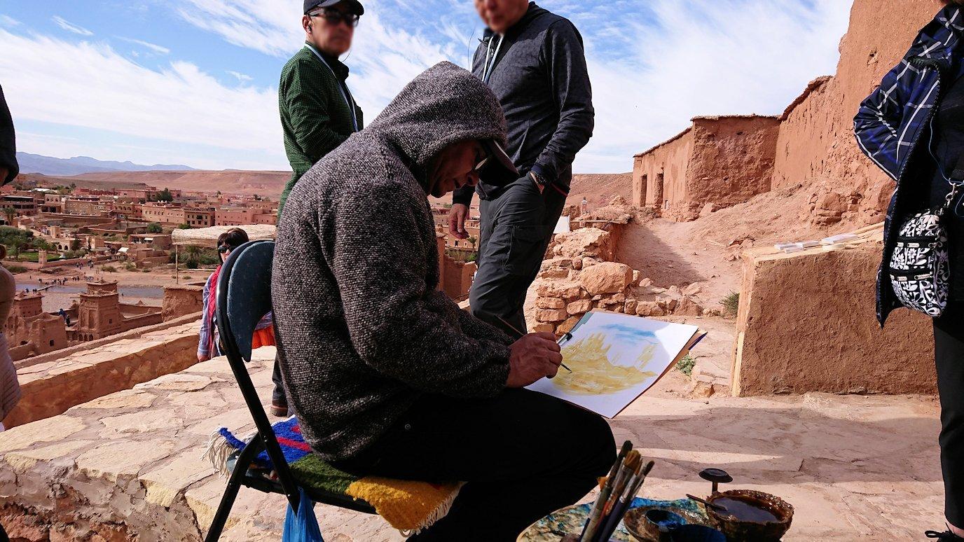 モロッコのワルザザートのアイト・ベン・ハッドゥ内を上の方まで登って行きます7