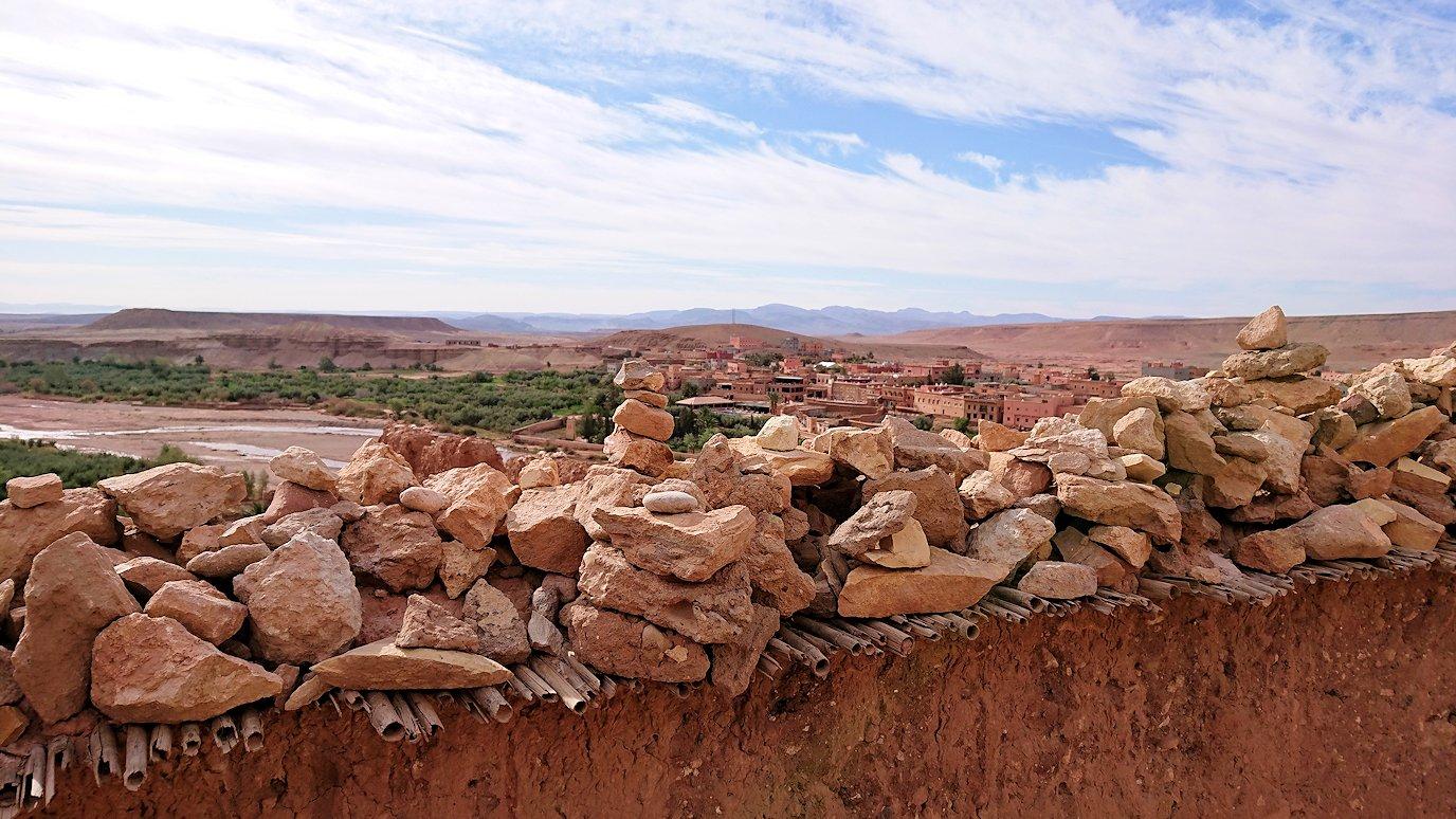 モロッコのワルザザートのアイト・ベン・ハッドゥ内を上の方まで登って見えた景色4