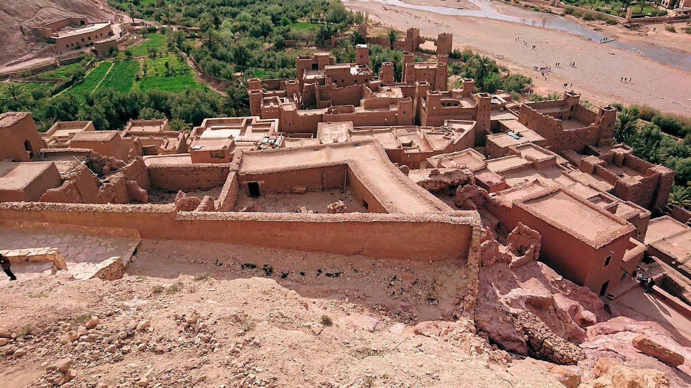 モロッコのワルザザートのアイト・ベン・ハッドゥ内を上の方まで登った頂上付近の様子3