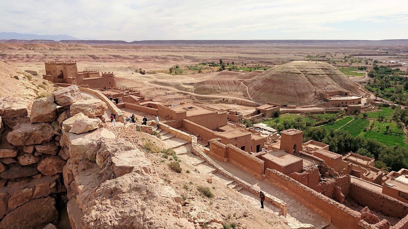 モロッコのワルザザートのアイト・ベン・ハッドゥ内を上の方まで登った頂上付近の様子4
