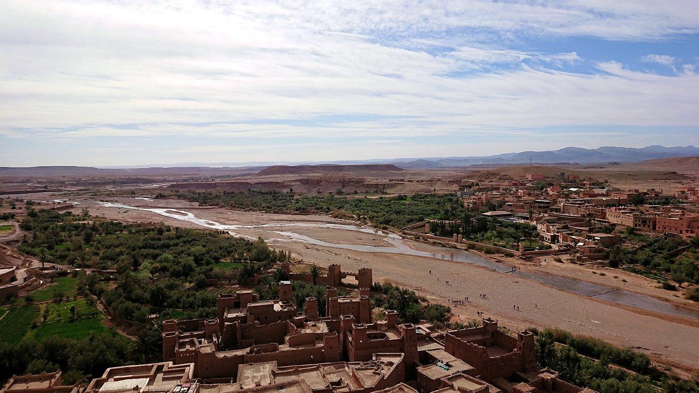 モロッコのワルザザートのアイト・ベン・ハッドゥ内を上の方まで登った頂上付近の様子6