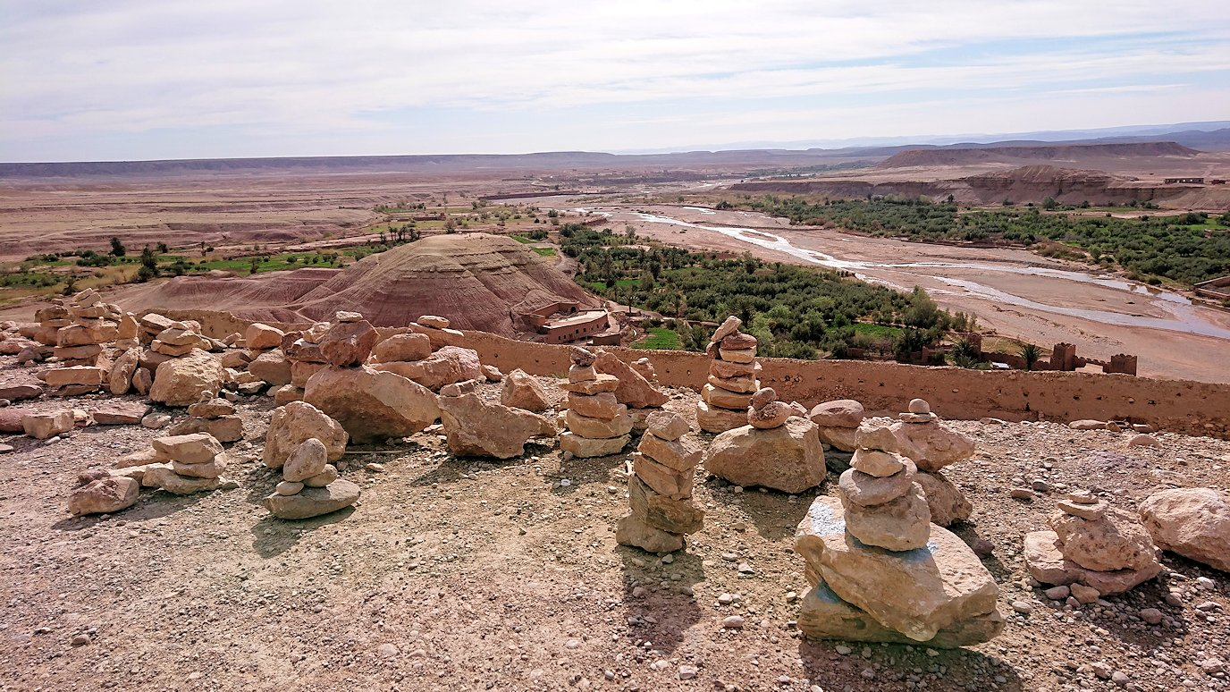 モロッコのワルザザートのアイト・ベン・ハッドゥ内を上の方まで登った頂上付近の様子9
