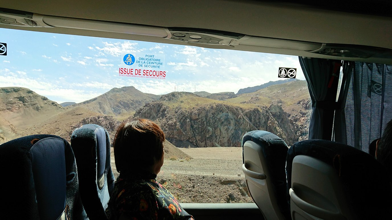 モロッコのティシュカ峠からマラケシュヘ移動1