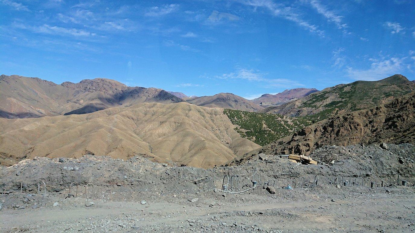 モロッコのティシュカ峠からマラケシュヘ移動3