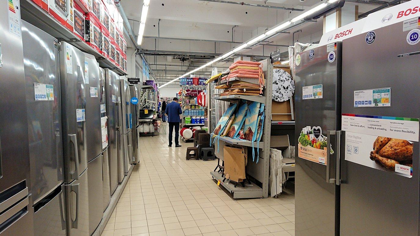 モロッコのマラケシュの街に到着しショッピングモールのスーパでお買い物3