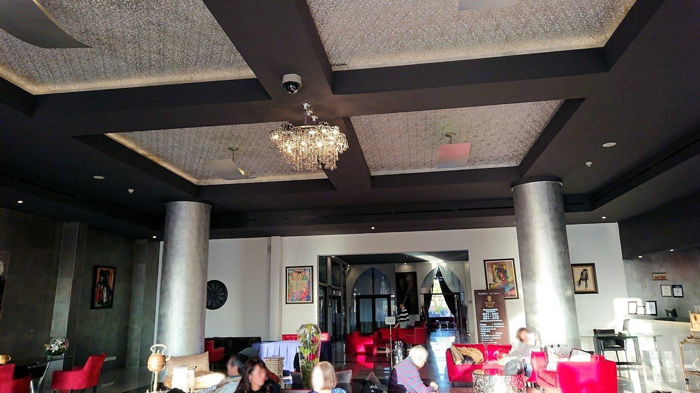 モロッコのマラケシュのホテルにて3
