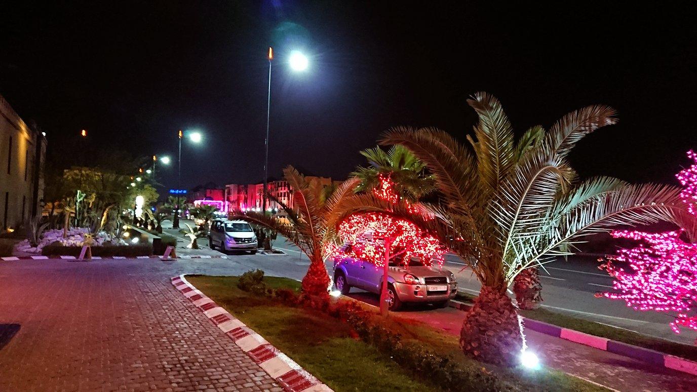モロッコのマラケシュのホテルの夜の様子