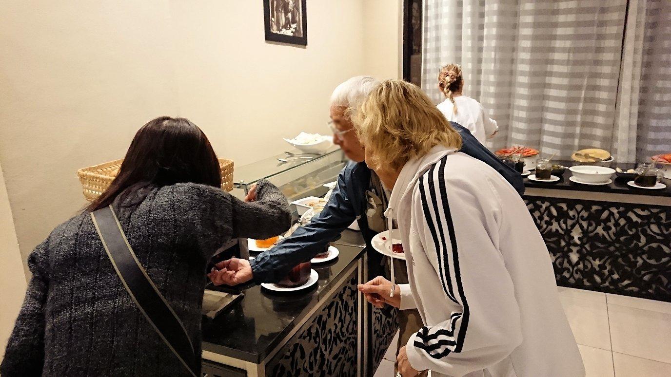 マラケシュのアダムパークホテルにて朝食バイキングを2