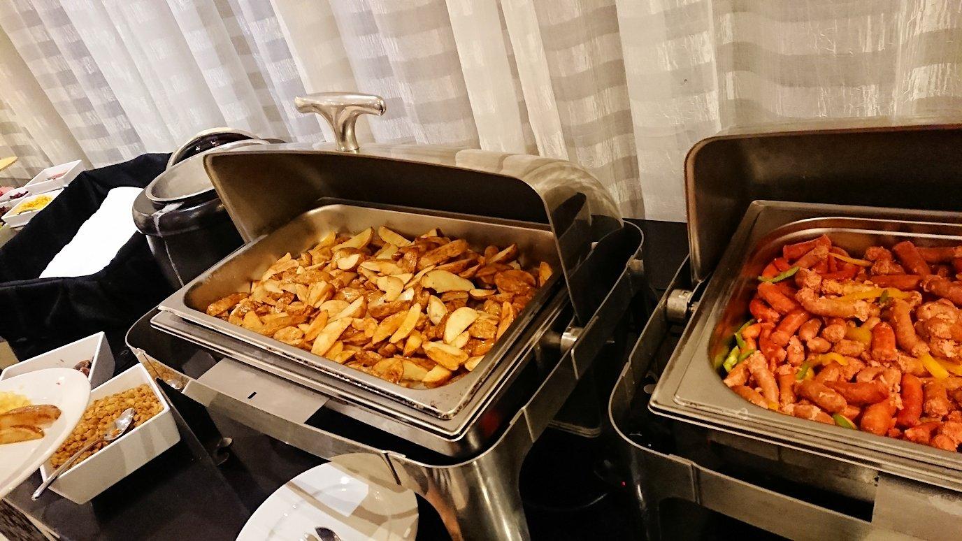 マラケシュのアダムパークホテルにて朝食バイキングを9