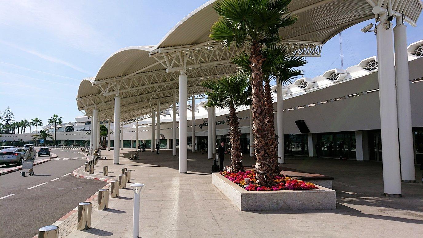 カサブランカ空港にやっと到着する頃7