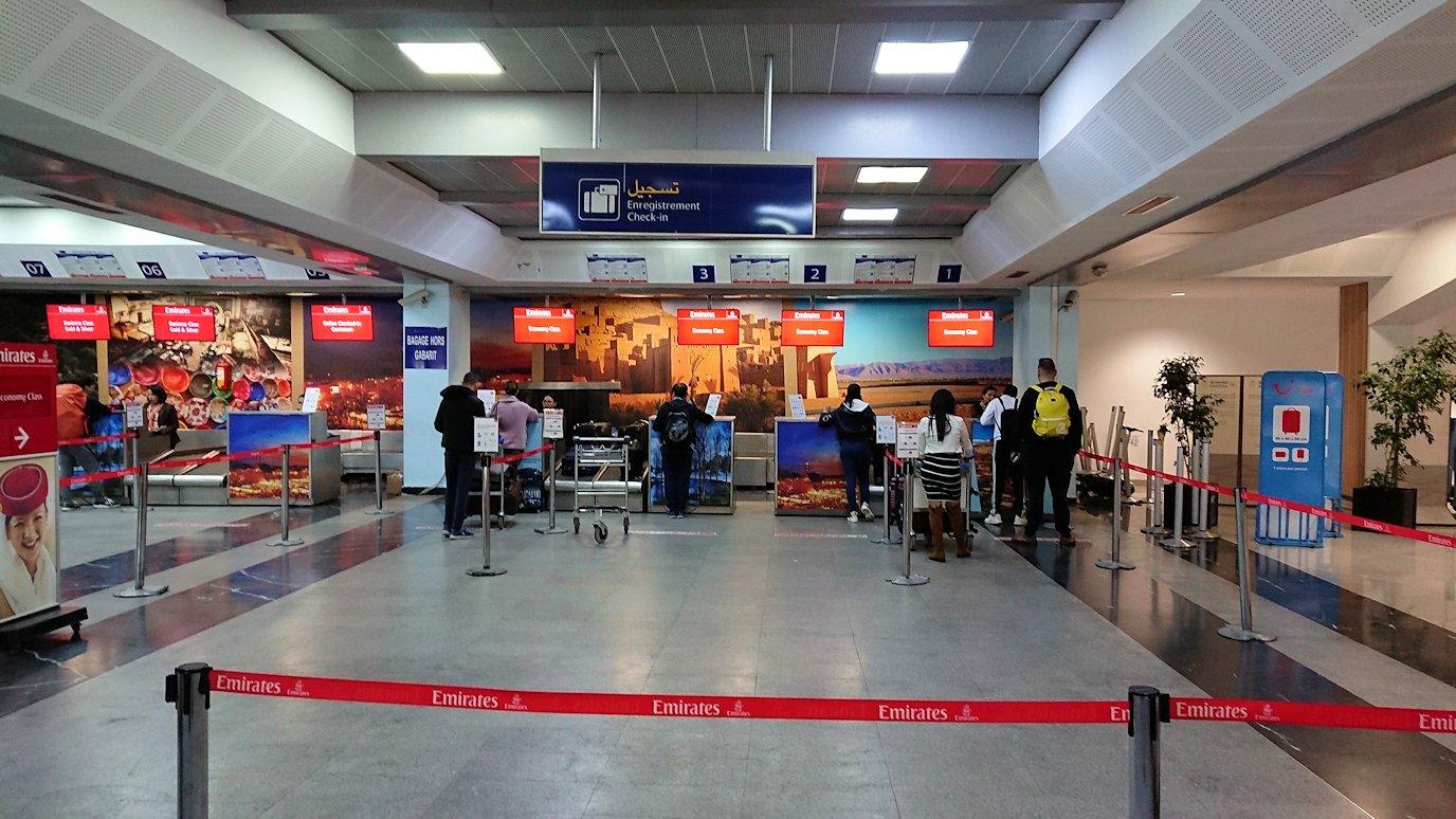 モロッコのカサブランカ空港でチェックイン2