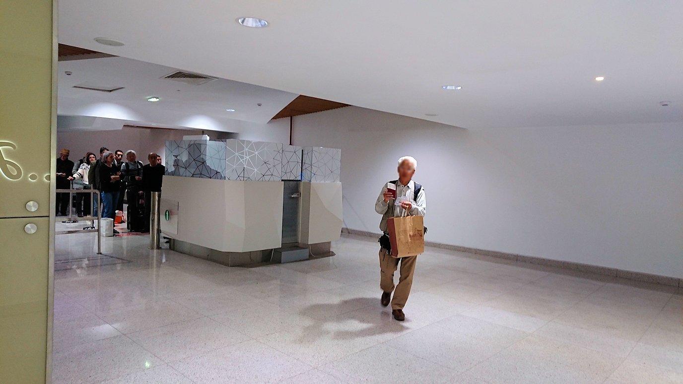 モロッコのカサブランカ空港の国際線ターミナルで散策3