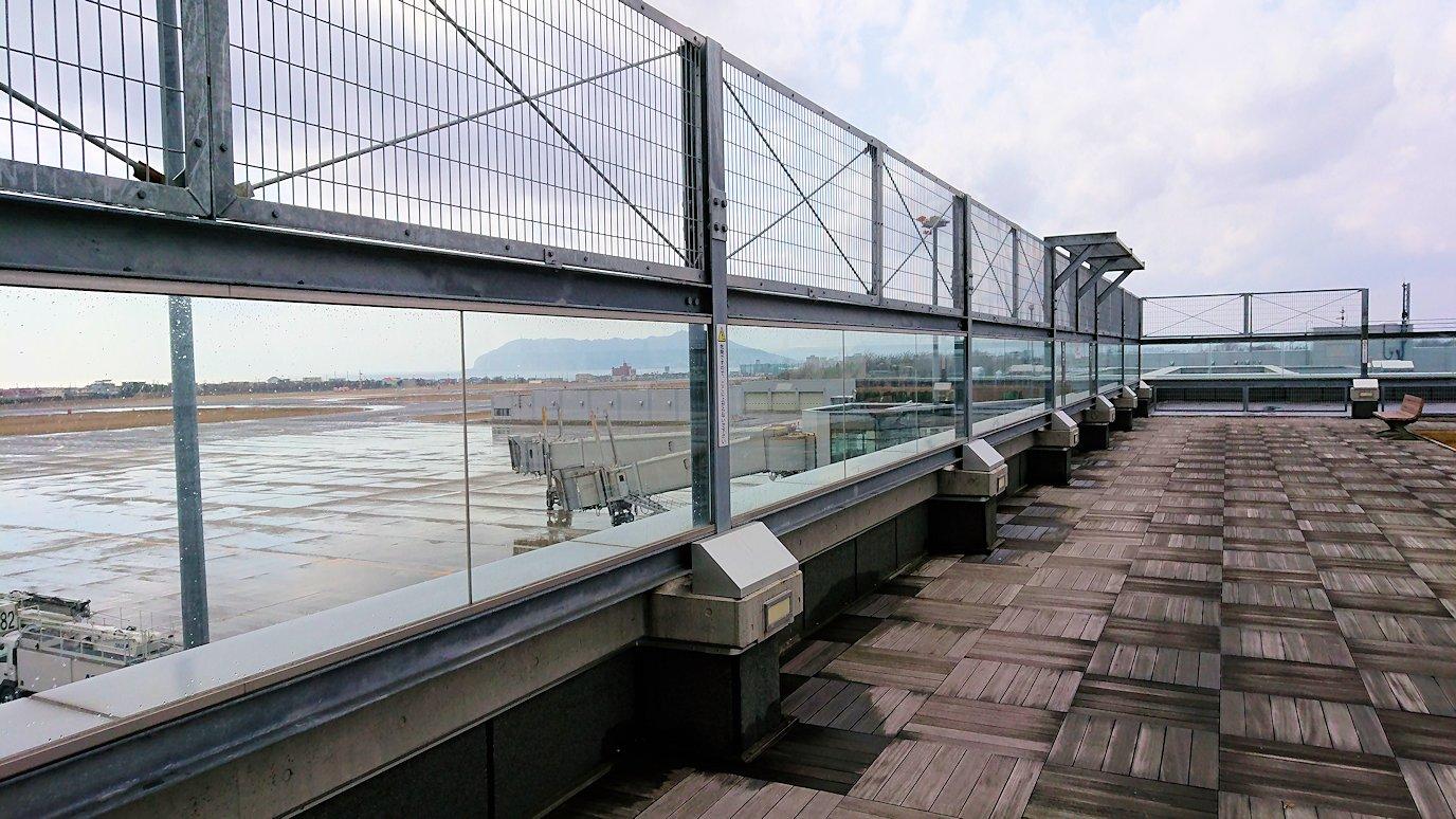 無事函館空港に到着し空港内の展望台を見学2