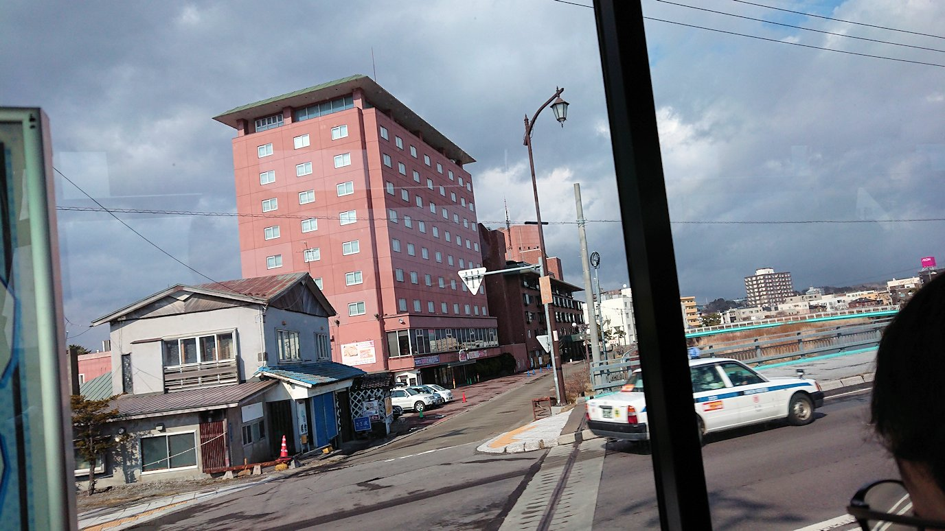 函館空港から市内にあるホテルまでバスで移動6