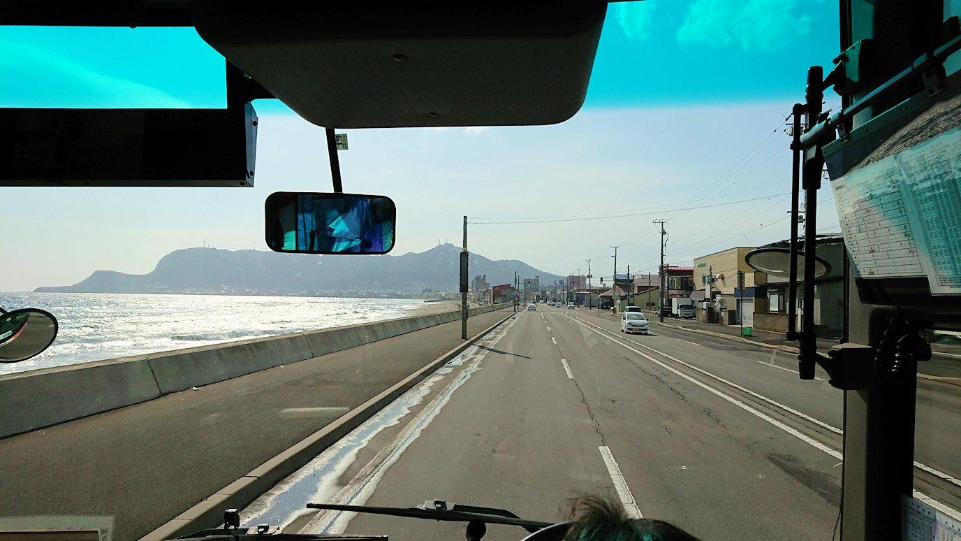 函館空港から市内にあるホテルまでバスで移動8