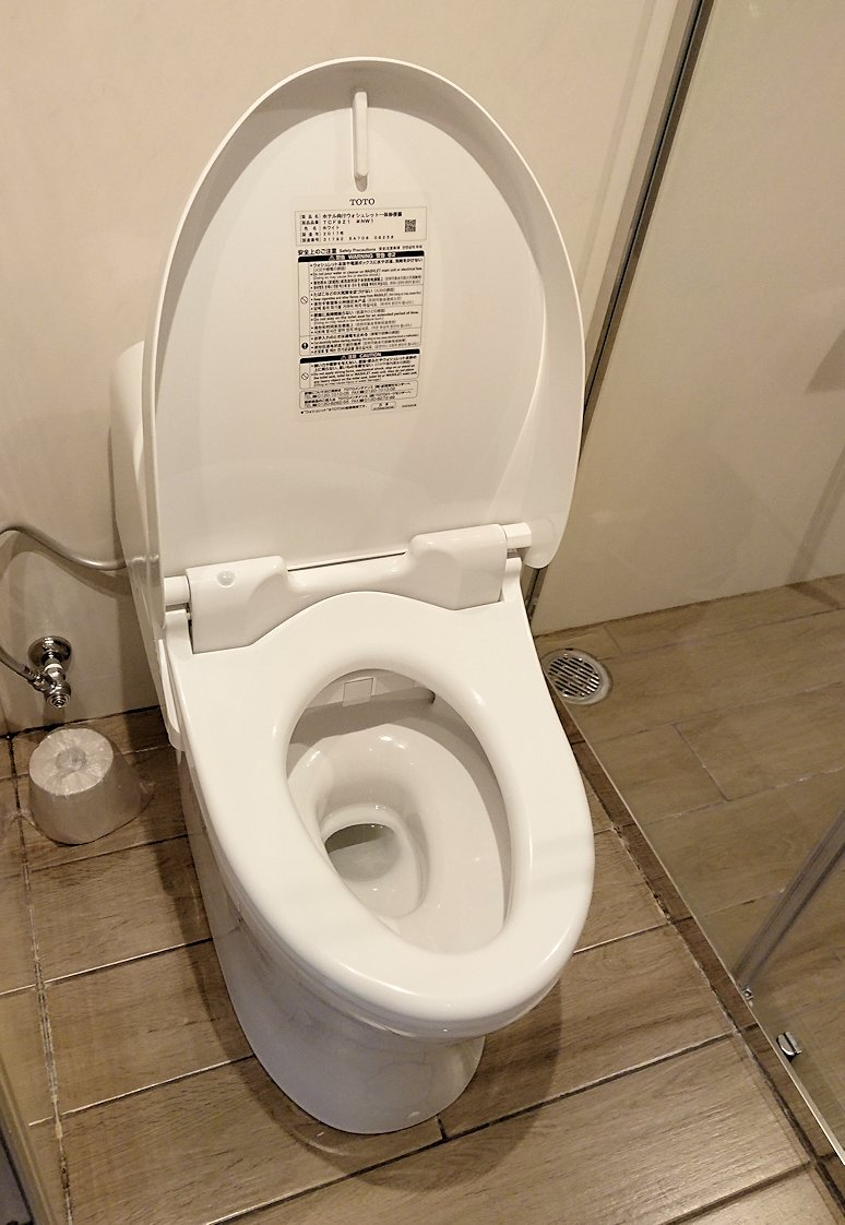 函館空港から市内にある「天然温泉 ホテルパコ函館別亭」に到着しその内装を確認9