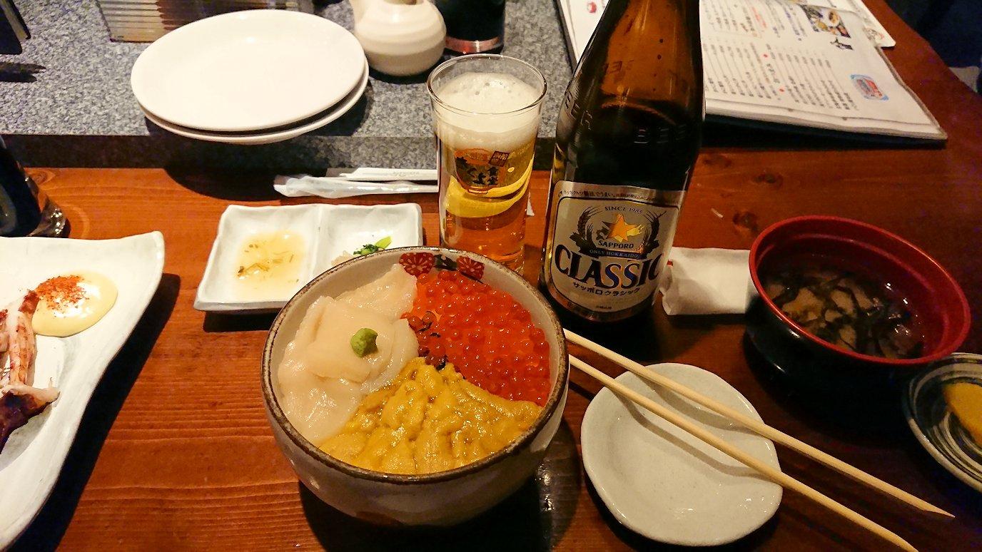 函館市内の金森赤レンガ倉庫辺りで晩御飯を食べる7