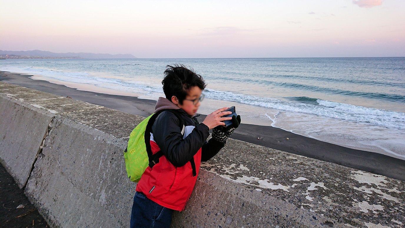 函館市内で五稜郭の見学を終えてホテル周辺で海を眺めて石川啄木公園に向かう1