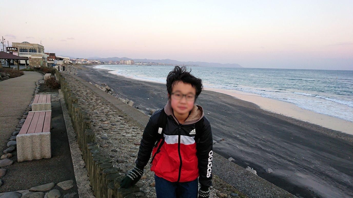 函館市内で五稜郭の見学を終えてホテル周辺で海を眺めて石川啄木公園に向かう7