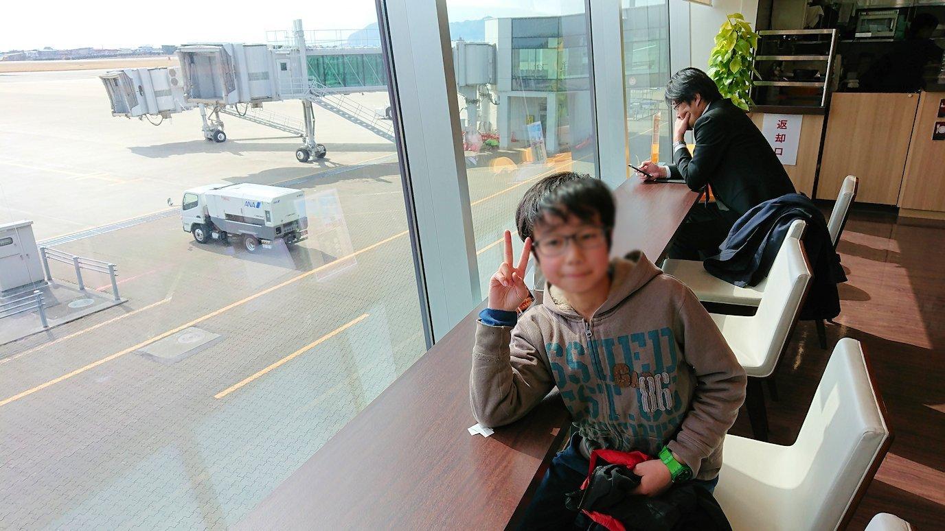 函館空港の国内線ターミナルにて美味しいラーメンを食べる1