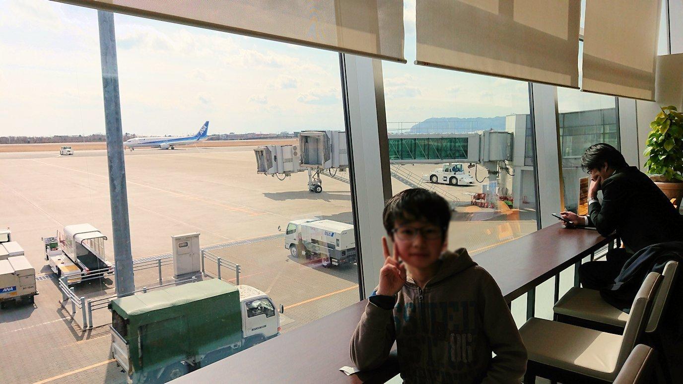 函館空港の国内線ターミナルにて美味しいラーメンを食べる2