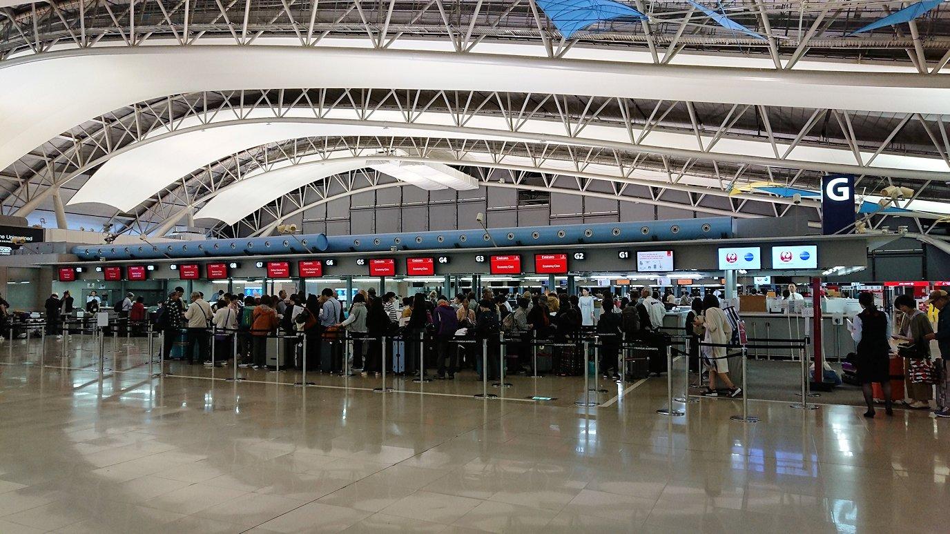 チュニジアに向かう関西国際空港の様子3