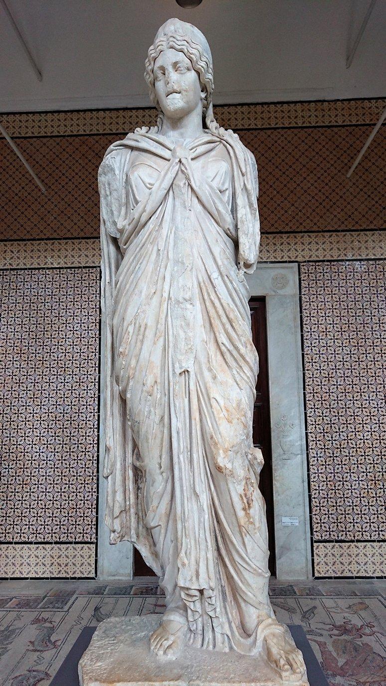 チュニスのバルドー博物館で展示されている像を見ながら散策1