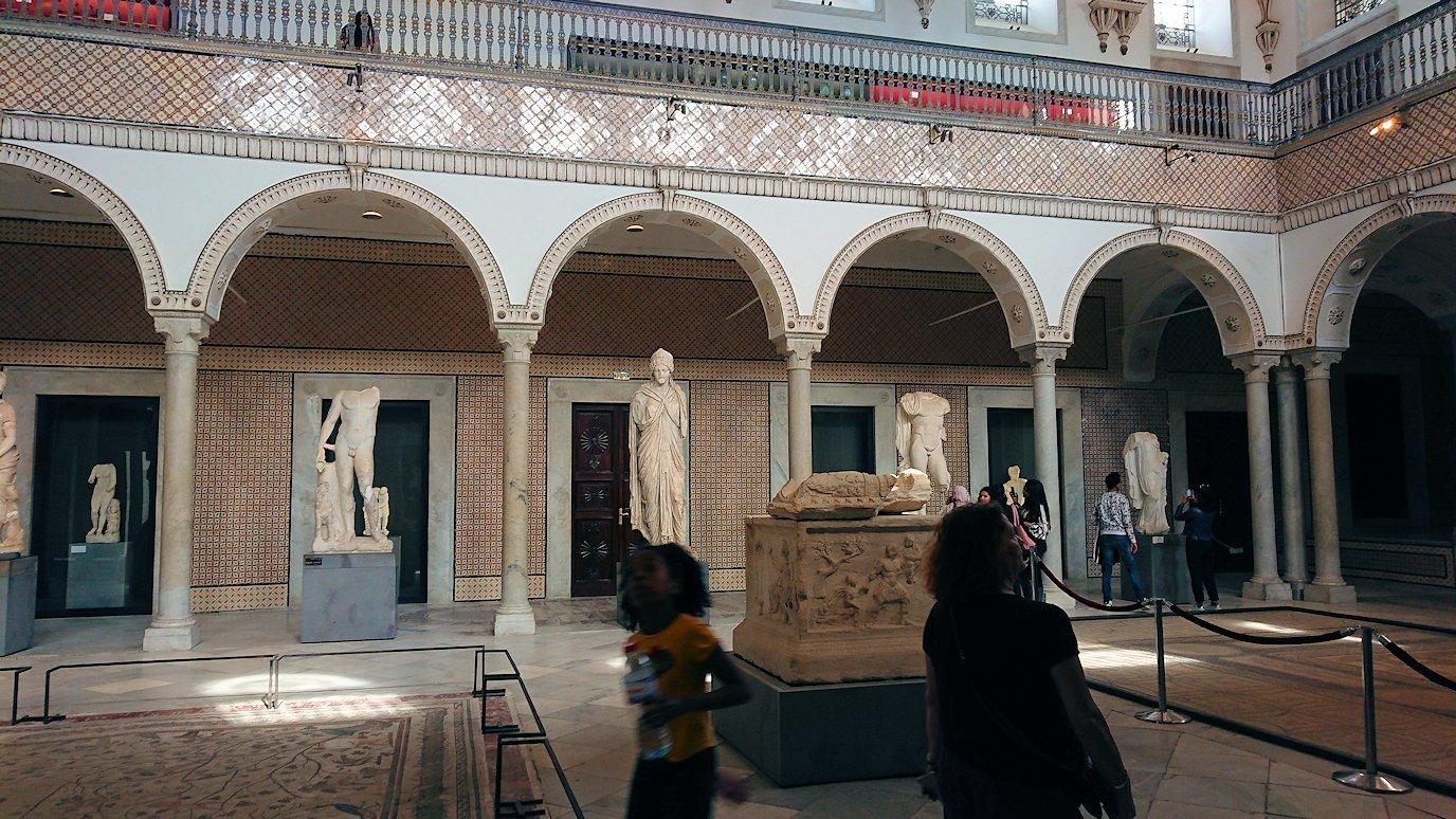 チュニスのバルドー博物館で作品を見て行きます1