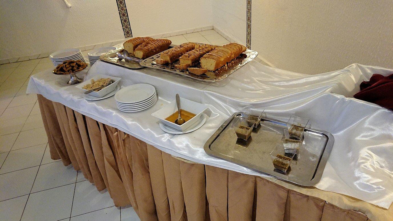 チュニジアのホテル:コンチネンタル(CONTINENTAL)での朝食は?7