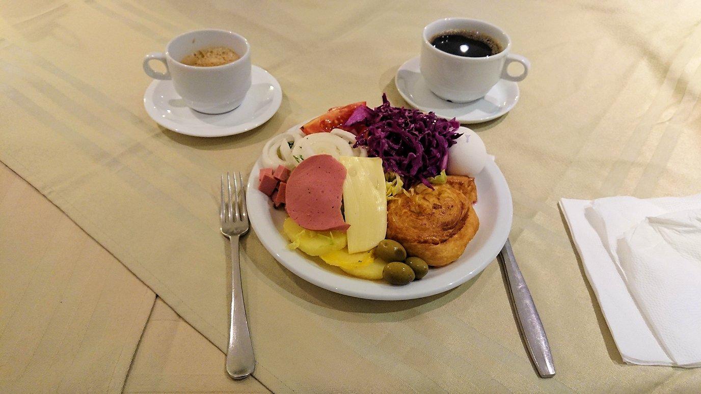チュニジアのホテル:コンチネンタル(CONTINENTAL)での朝食は?9
