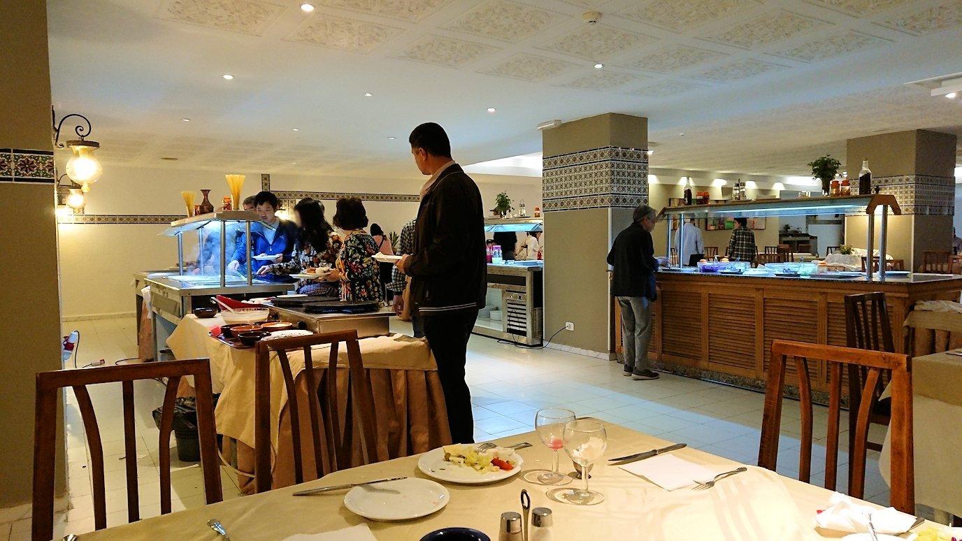 チュニジアのホテル:コンチネンタル(CONTINENTAL)での朝食を食べる